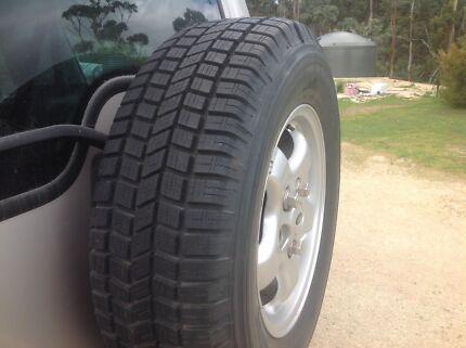 Land Rover 16 inch wheels