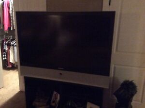 SAMSUNG 56-Inch HD Widescreen Projection TV
