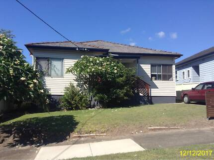 Great House in Mayfield West