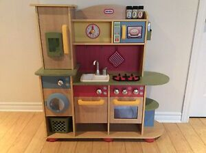 Cuisinette en bois Little Tikes wooden kitchenette
