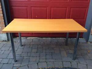 FORMICA AND CHROME TABLE WITH ADJUSTABLE  TELESCOPIC LEGS