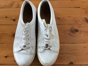 Minimalistic simple cos leather sneakers, shoes EU 44/ U.K. 11 Bronte Eastern Suburbs Preview