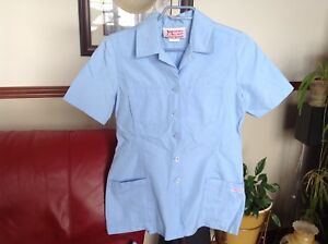 Uniforme complète SMALL et la toute bleue 1/2.    15.00$ chaque