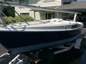 Crown 18' Trailerable Sailboat