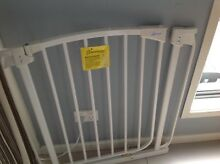 Swing closed baby Gate Dream baby Banyo Brisbane North East Preview