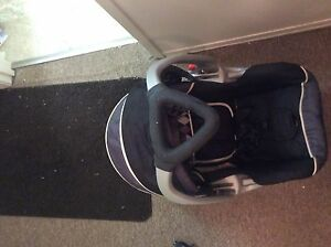 Baby trend car seat  Stratford Kitchener Area image 3