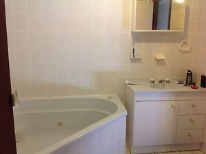2 rooms for SHORT TERM RENTAL, in quiet spacious t/house. Queanbeyan Area Preview