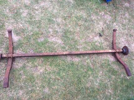 Trailer Axle with leaf springs with ford hubs from8X5ft wide t