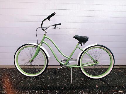 Selling vintage style/looking bike (Green)