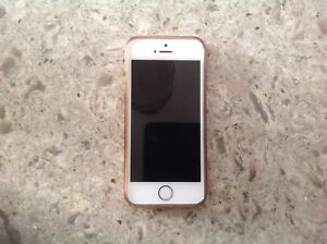 Iphone 5 SE 16gb PARFAITE CONDITION