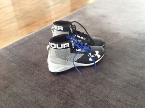 Souliers  football presque neuf 9.5