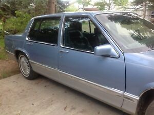 1993 Cadillac Deville  front wheel drive , 4.9 motor small V8