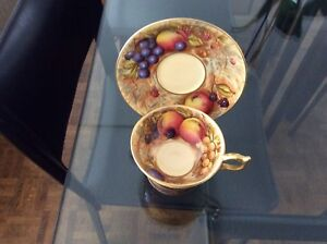 VINTAGE 1930 HAND PAINTED FRUIT AND GOLD AYNSLEY  CUP AND SAUCER