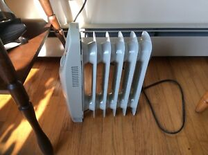 Mini oil filled heater