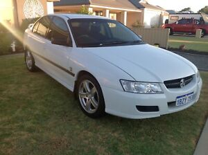 VZ 04 HOLDEN COMMODORE IMMACULATE CONDITION 186000km 4500 FIRM