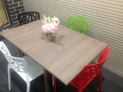 Extended Dining table with chairs Currans Hill Camden Area Preview