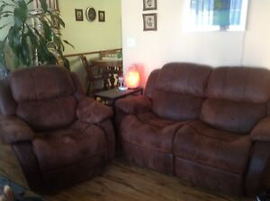 Love seat recliner and recliner
