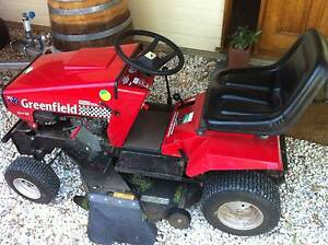 Greenfield 32 inch Evolution Ride on mower (red) Flinders View Ipswich City Preview