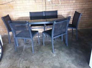 7 piece outdoor setting Charlestown Lake Macquarie Area Preview
