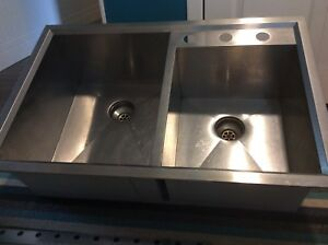 Double sink, under or top mount