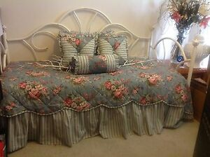 DAY BED WITH EVERYTHING Richmond Hawkesbury Area Preview