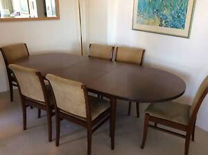 Parker Dinning extendable table matching chairs Nowra Nowra-Bomaderry Preview