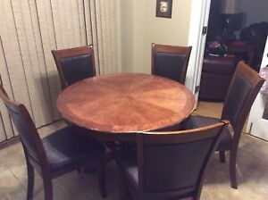 Used kitchen table and 5 chairs