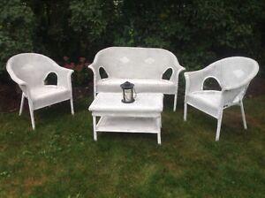 4 piece outdoor wicker / rattan patio set