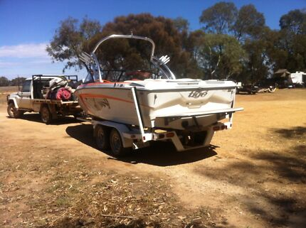 TIGE R20 wakeboard/crossover boat. 2011 model Turvey Park Wagga Wagga City Preview
