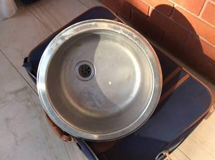 Round stainless steel sink