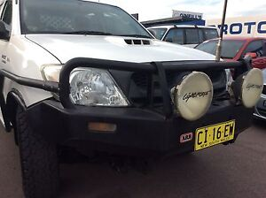 2009 Toyota Hilux 4x4 Turbo diesel Automatic dual cab tray back Sandgate Newcastle Area Preview