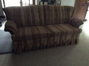SOFA BED-COUCH-CHESTERFIELD-COLONIAL
