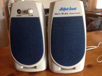 Milford sound multimedia speakers H18cm working order