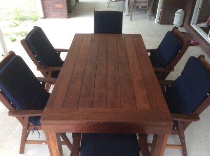 Wooden 7 Piece Extendable Outdoor Setting KASULE KWILA
