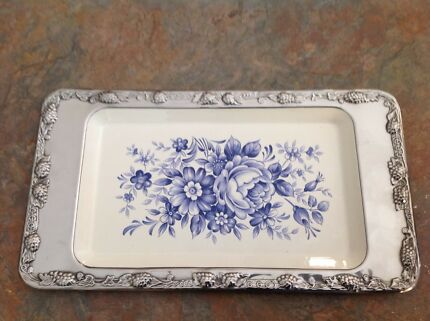 Serving plate and cutlery