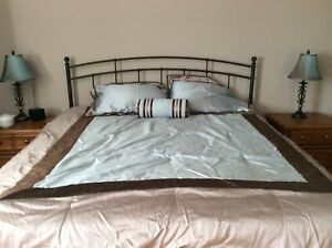 Gently used king size comforter