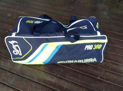 Kookaburra cricket gear bag