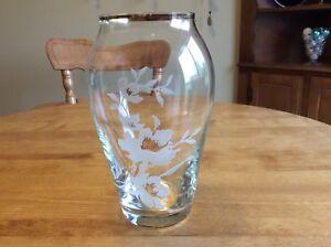 Beautiful  Crystal Gold Trimmed Vase