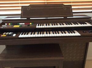 Free Yamaha Organ with stool Woorim Caboolture Area Preview