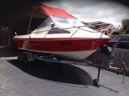 Boat flightcraft sports cuddy fishinf cruise dive boats MELB