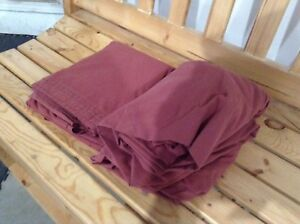 Queen size flat and fitted sheet