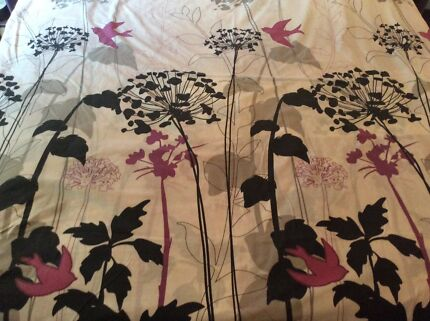 Double bed quilts and sheet sets