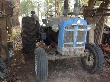 For Sale :     FORDSON SUPER MAJOR