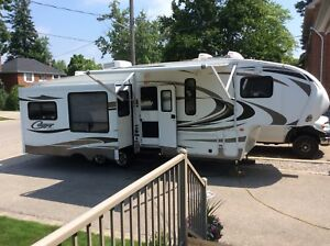 2014 Couger lite 5th Wheel