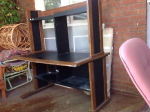 Desk with book shelves-free