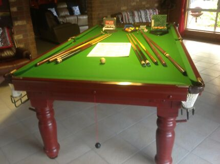 Pool table For