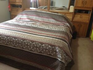 King Size Quilt, Accent Pillows & Shams
