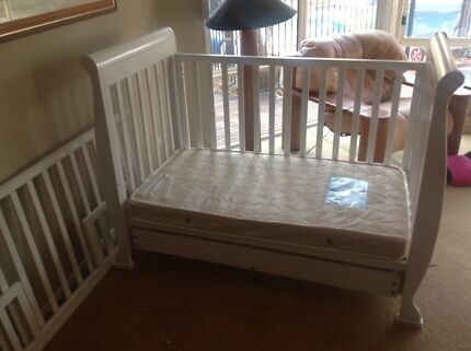 White sleigh cot and toddler bed