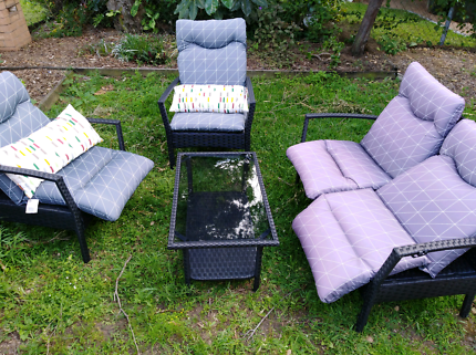4 piece outdoor lounge set