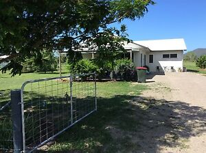 HOUSE ON 1.5ACRES FOR RENT ALLIGATOR CREEK TOWNSVILLE Townsville Townsville City Preview